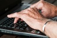Escrever no teclado do computador