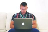Jovem freelancer