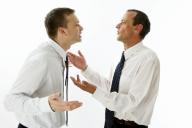 Discussão entre dois profissionais