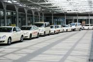 Táxis parados em Aeroporto