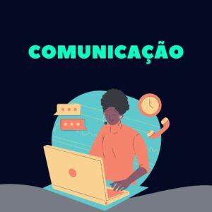 mulher a comunicar por computador e telefone